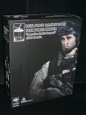 1:6 DAMTOY 93004 (BLACK HAWK DOWN) DELTA FORCE SGT. FIRST CLASS RANGER 93 FIGURE