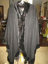 GORGEOUS LORO PIANA BLACK CASHMERE GENUINE FUR TRIM LARGE CAPE, MADE IN ITALY