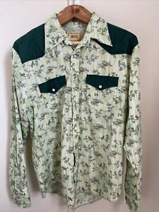 Urban Outfitters GREEN BDG Mens snap front Shirt, Pockets size large