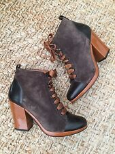 Robert Clergerie French Designer Lace Up Brown Leather And Suede Boots. 6