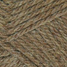 Lanas e hilos color principal marrón de lana