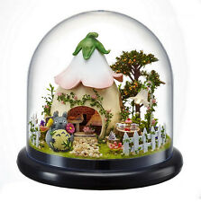 GIFT DIY Wooden Dollhouse Kit Miniature Green Garden With Glass Cover +LED Light