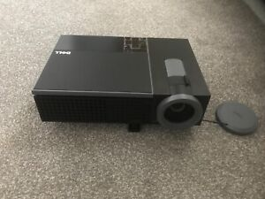 1080P Projector Dell 1510x Projector DLP with all Accessories - Great Condition