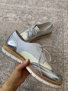 Gabor Lace Up Brogue Cream/Grey/Silver Size UK 6.5 US 8.5 Comfort Shoe