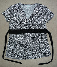 Motherhood Maternity Designer B&W print plunge tie babydoll blouse top Size M