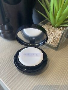 MALLY FLAWLESS FINISH TRANSFORMING EFFECT FOUNDATION IN THE SHADE LIGHT - SEALED