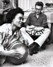 EARTHA KITT AND JAMES DEAN PLAYING BONGO DRUMS IN 1954 - 8X10 PHOTO (ZZ-968)