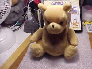 Winnie the Pooh Classic Pooh by GUND Winnie the Pooh