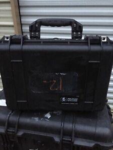 Pelican 1500 Camera/gun/equipment Case  Black Excellent Condition..