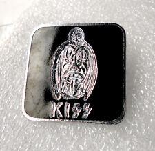 KIss Vintage pin badge Heavy Rock Gene Simmons