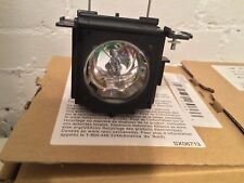 Hitachi Replacement Projector Lamp Bulb DT00751 for CPX260 CPX251 CPX267 New