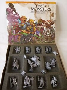 Level 3 A Dungeon Dwellers Metal Figure Set Plus Extras Use With D&D & fantasy