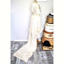 Robe de mariée ancienne _ Satin de soie, tulle ivoire, longue traine _ 1900-1910