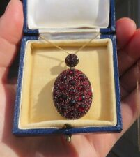 Antiguo Victoriano Bohemio Granate & Rose Oro Medallón