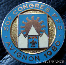 SK1215 - INSIGNE 50° CONGRES NATIONAL DU SKI 1980 AVIGNON FFS