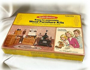 1974 REALIFE MINIATURES HERITAGE SERIES Wood Country Kitchen Kit 194 Open Box