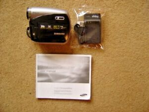 SAMSUNG MINI DV DIGITAL CAMCORDER VP-831 with manual & charger