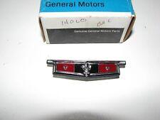 NEW NOS GENUINE GM FRONT DOOR UPPER TRIM PAD EMBLEM 1971 CHEVY CAPRICE 9828497