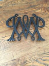 VINTAGE WILLIAM & MARY CYPHERCAST IRON TRIVET VIRGINIA METAL CRAFTERS