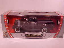 1937 Studebaker Express Pickup Truck Diecast 1:18 Road Signature 10 inch Wine