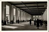 Bad Wiessee am Tegernsee Postkarte ~1950/60 Innenansicht Wandelhalle Personen
