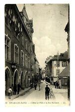 CPA 74 Haute-Savoie Evian-les-Bains L'Hôtel de Ville et Rue Nationale animé