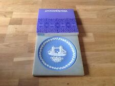Wedgwood Jasper ( Pale Blue  ) Christmas Plate 1975 The Tower of London Boxed