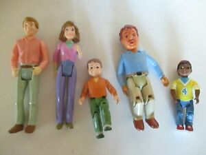 Lot 5 Fisher Price Loving Family Dolls