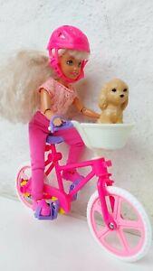 Barbie mit Fahrrad und Hund