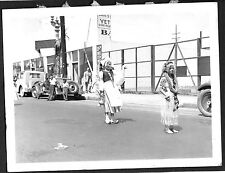 VINTAGE PHOTOGRAPH 1930'S MARDI GRAS PARADE COSTUMES VENICE CALIFORNIA OLD PHOTO