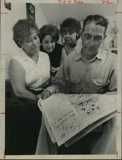 1965 Press Photo Family of Homero Blancas, Jr. Proud of Him in Golf Tournament