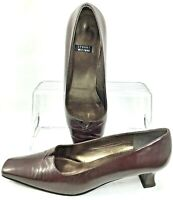Stuart Weitzman Pumps Women's Size 9 AA Brown Leather Low Kitten Heel Shoe Spain