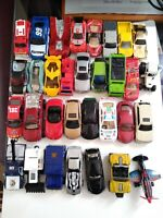 Hot Wheels Molded 48 Car Case Carrying Storage Holder Traveler with 31 toy cars