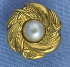 15mm Gold / Pearl Flower Shank Button