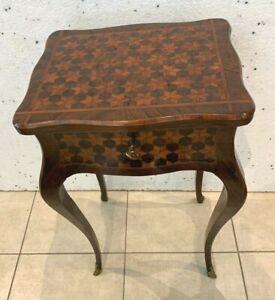 Travailleuse de style Louis XV Marquèterie a fond de cubes  XX siècle