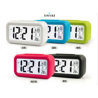 Radio-Réveil Numérique avec Calendrier Thermomètre Snooze Alarme Réveil XQ