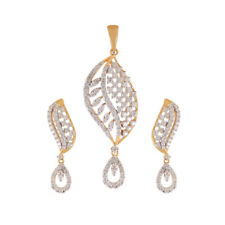 1.74 Cts Round Brilliant Cut Diamonds Pendant Earrings Set In Solid 18Karat Gold