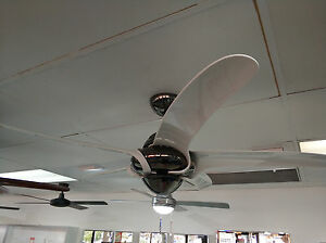 "Vento Uragano 54"" indoor fan white blades and gun metal body"