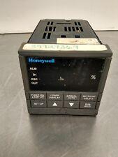 Honeywell Udc3300 Temperature Controller Dc330E-Ke-000-20-0A0000-0 0-0 1D