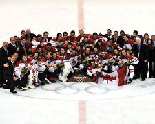 2010 Winter Olympics CANADA HOCKEY TEAM Glossy 8x10 Photo Gold Medal Print