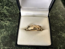 GOLD RING  9CT GOLD - SIZE U - LIKE NEW - URGENT SALE