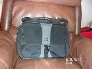 WENGER SWISS ARMY LAPTOB BAG/BRIEFCASE 19 INCHES CARRY ON