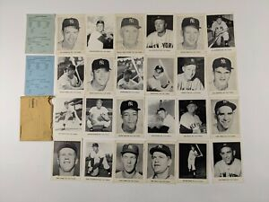 1960s New York Yankees Picture Pack Photos w/ Two Mantles & Original Envelope