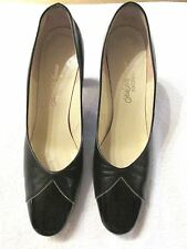 Beautiful Vintage Saks Fifth Avenue Fenton Last Shoes Size 7.5AA Made in the USA