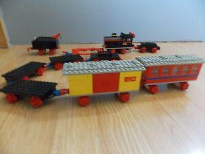 TRAIN LEGO VINTAGE LOCOMOTIVE 116 ET DIVERS WAGONS, RAILS ET ACCESSOIRES