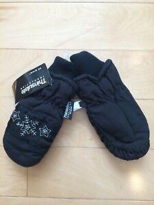 Thinsulate Insulation 40 Gram Girls Black Snowflake Mittens Gloves Size 4-6X NWT