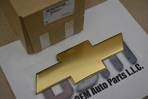 2005 Chevrolet Equinox Gold Bow Tie Rear Liftgate Emblem OEM new