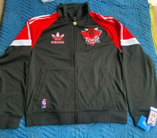 "Chicago Bulls - Authentic Adidas ""Old School Style"" Jacket _ *-*  NEW!!!"