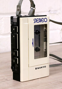 SANYO M4430 Vintage personal stereo cassette player WALKMAN fully working 99p NR