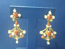 22 k Yellow Gold Ear Ring with Coral/Pearl
